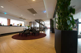 Scandic-Malmo-City-Reception-Lobby.jpg