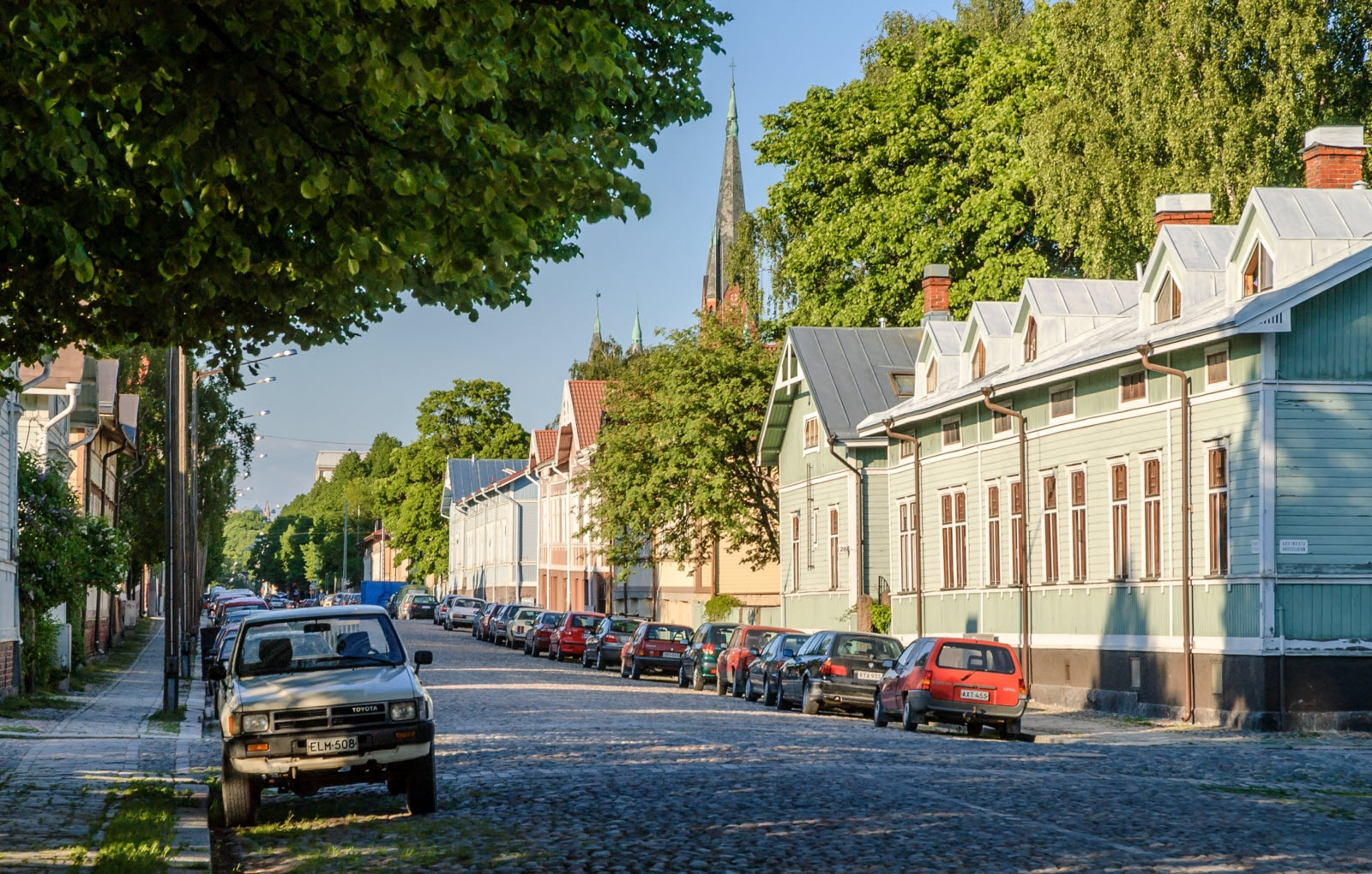 turku-wooden-houses-road.jpg