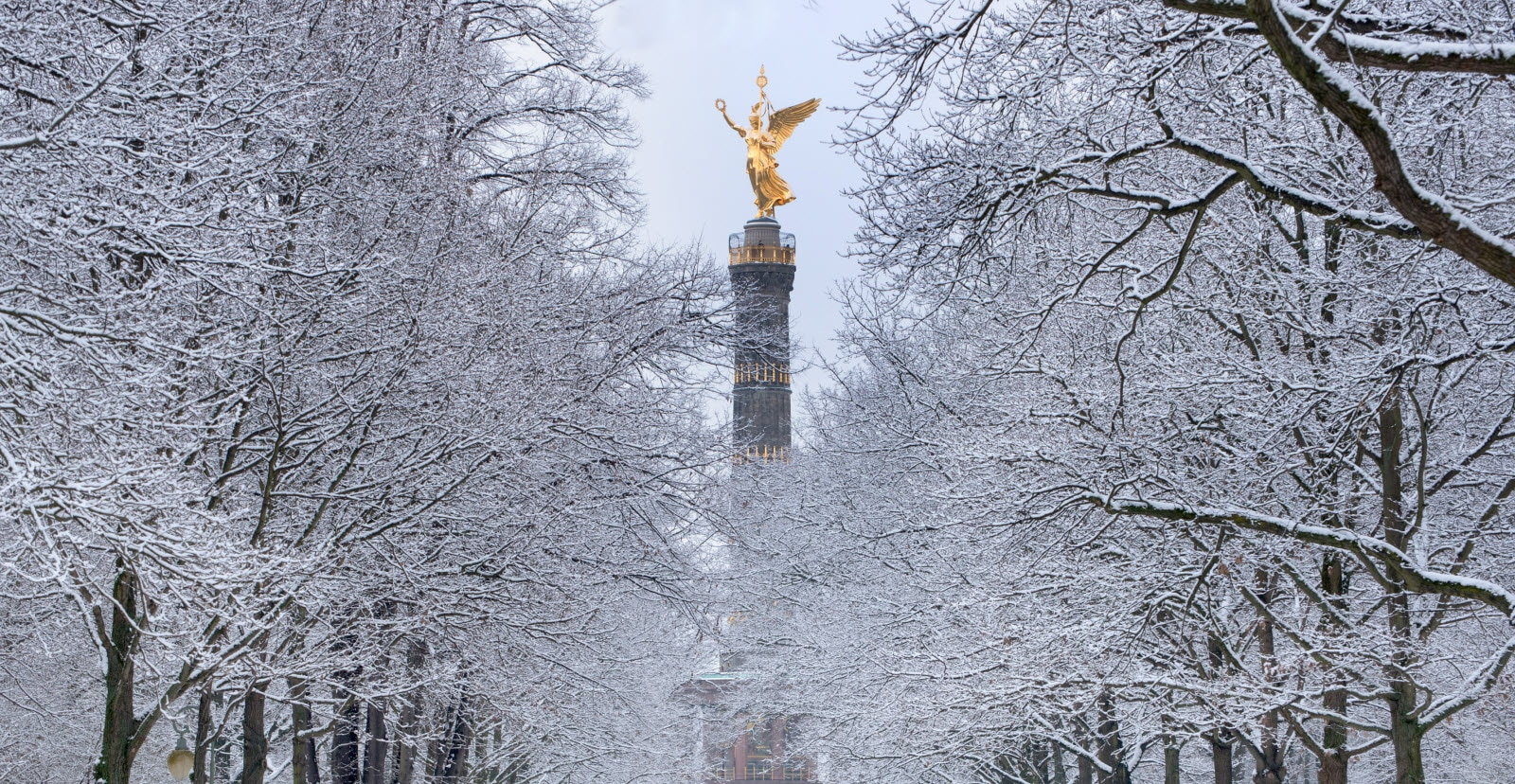 Siegessäule Berlin in winter