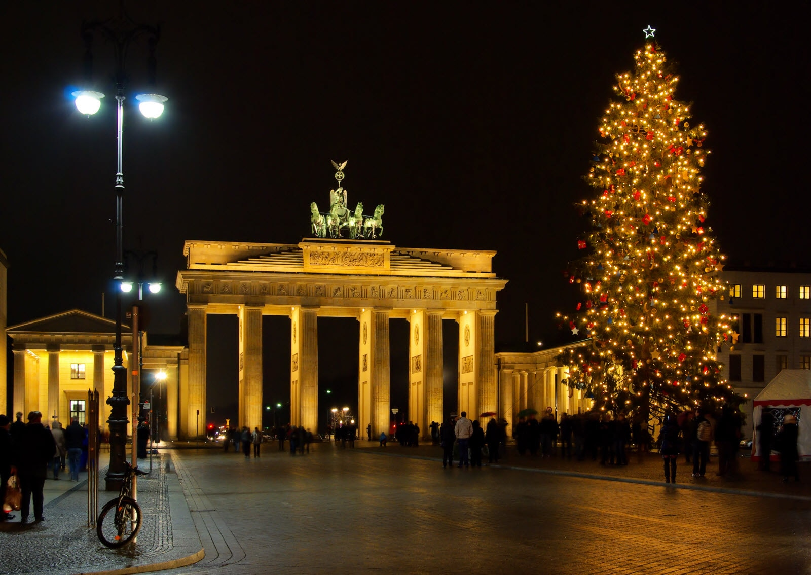 Berlin brandenburger gate during christmas