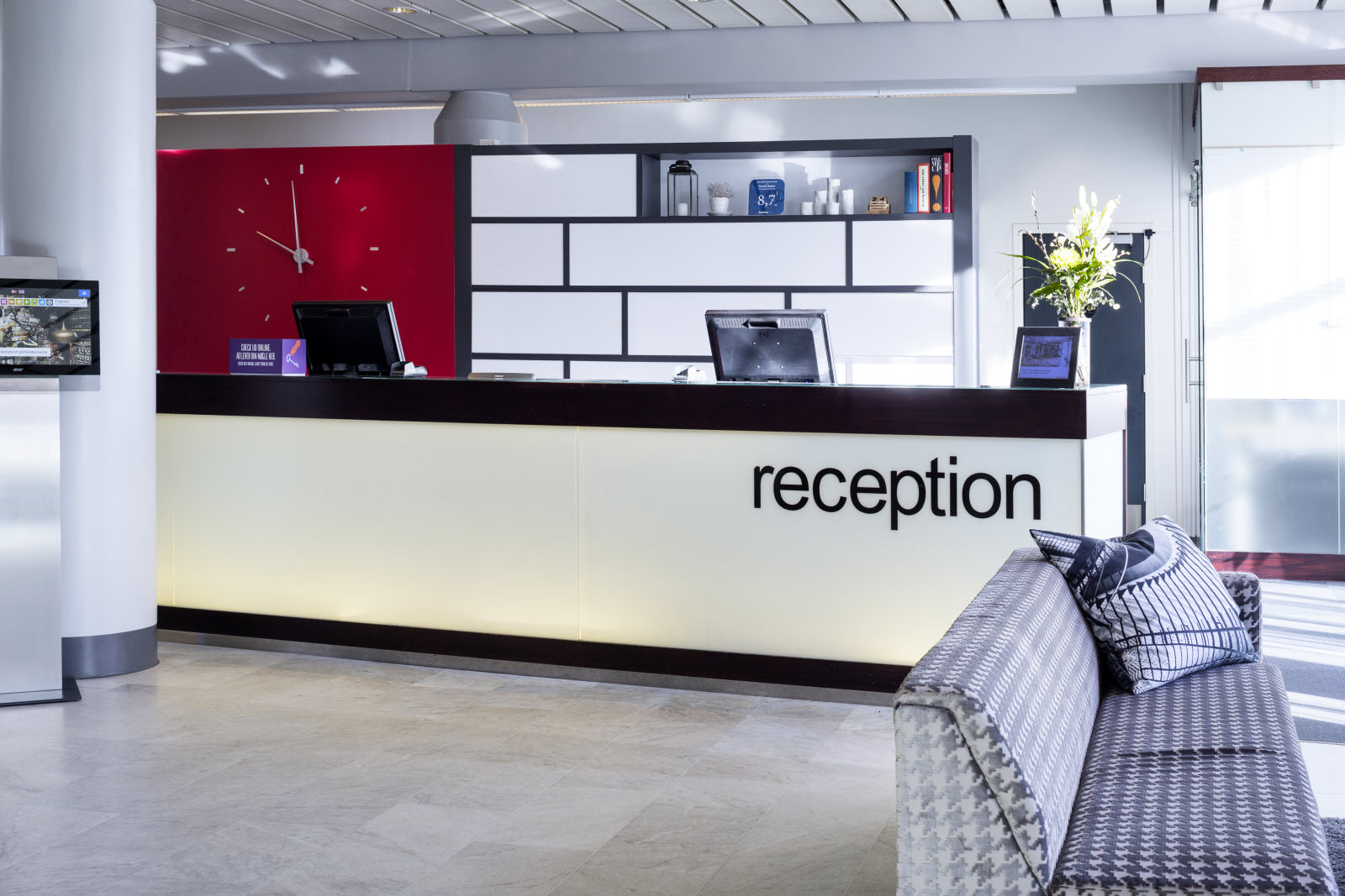 Reception, Lounge