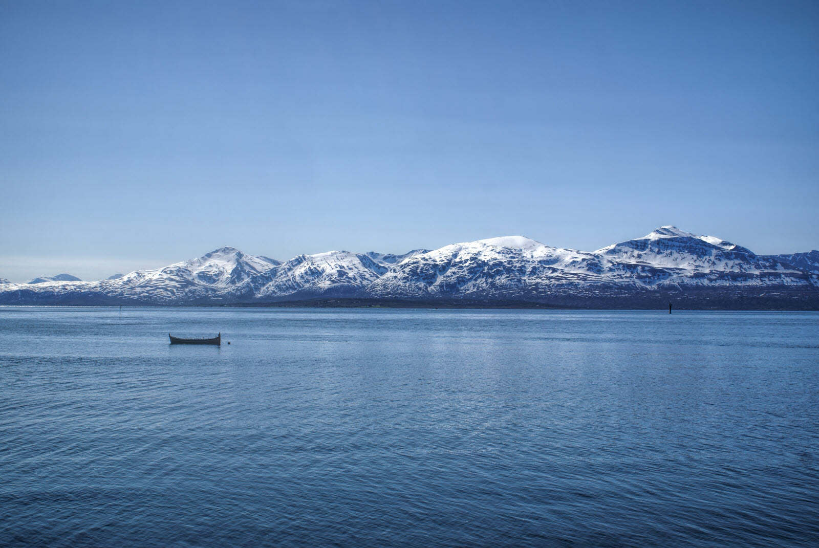9533471-tromso-norway_by_Michal_Knitl.jpg