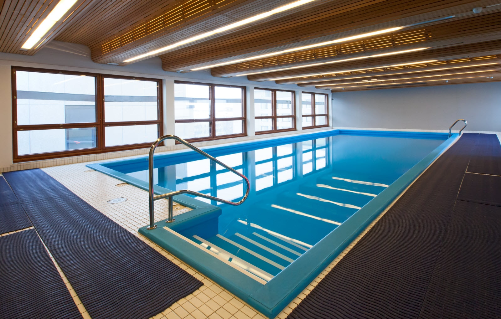 hotell i sverige med svømmebasseng