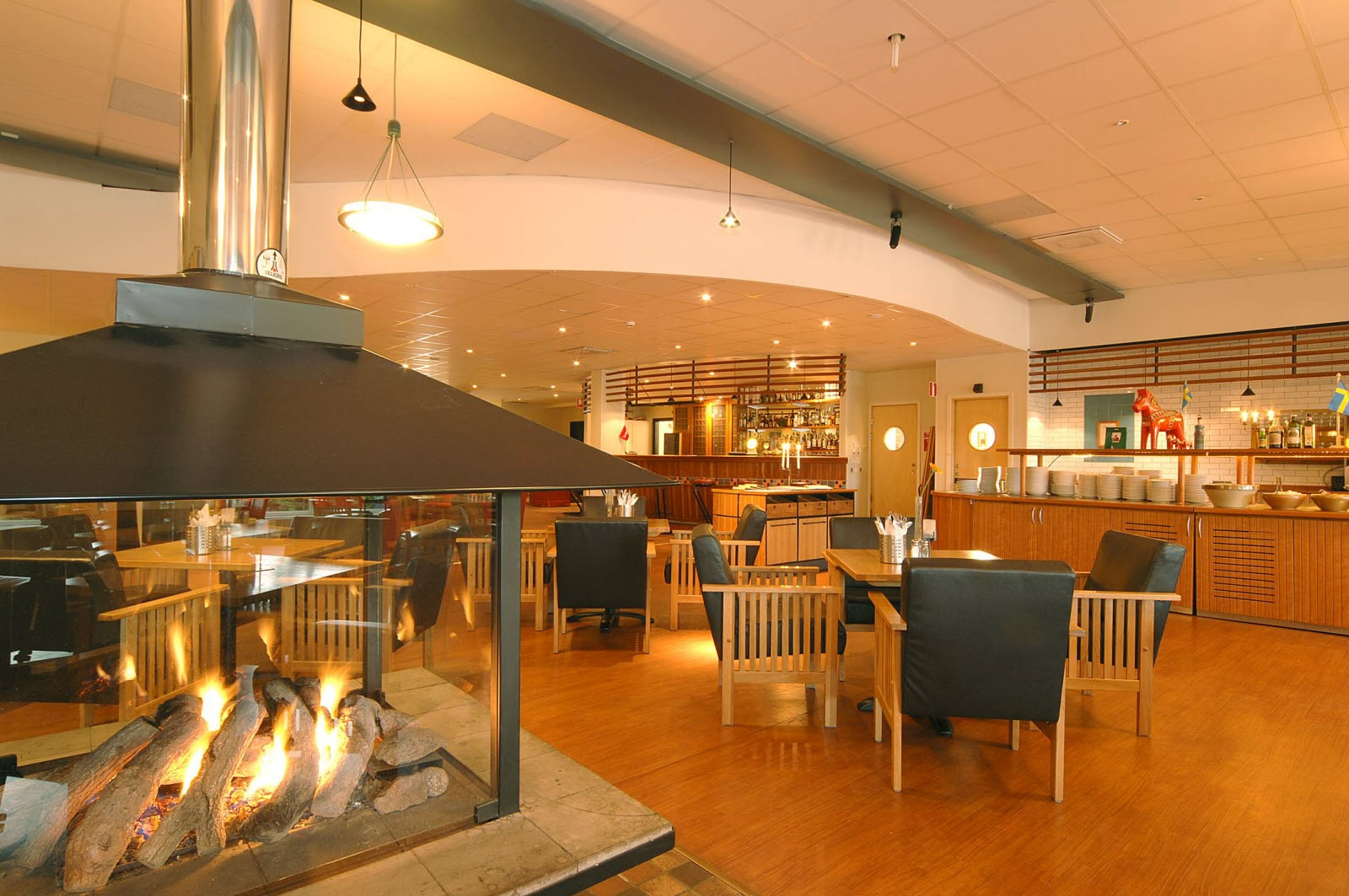 Restaurant, fireplace