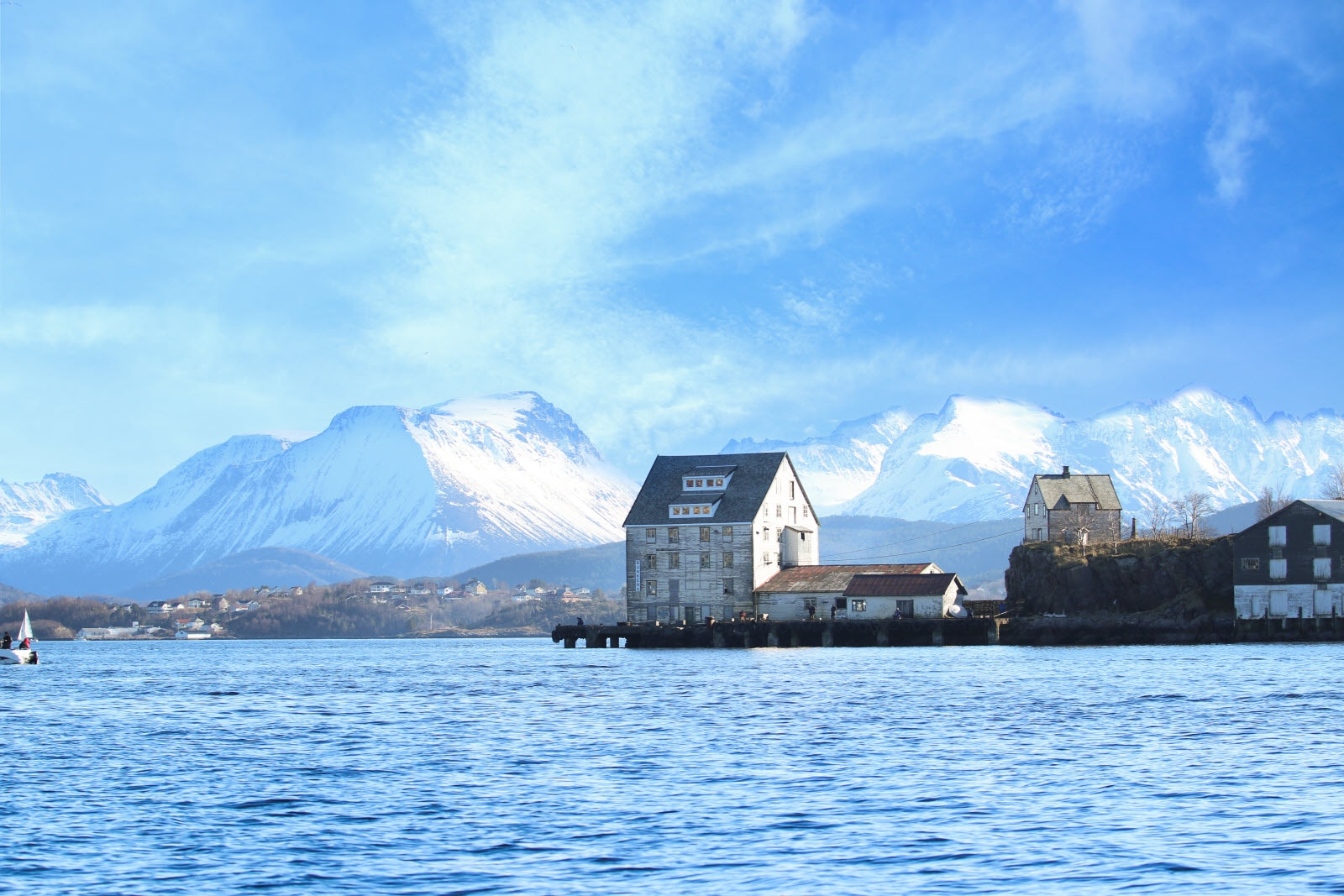 11453252-alesund-port_by_B-rge_Sandnes.jpg